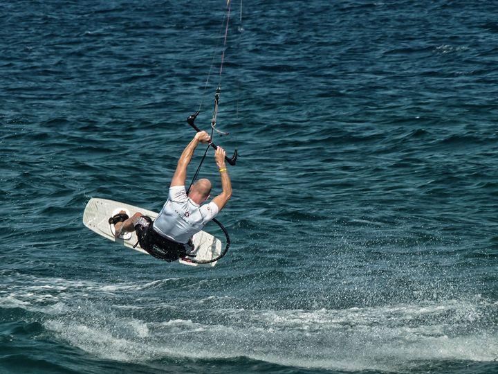 Kitesurf, sport - jsebouvi
