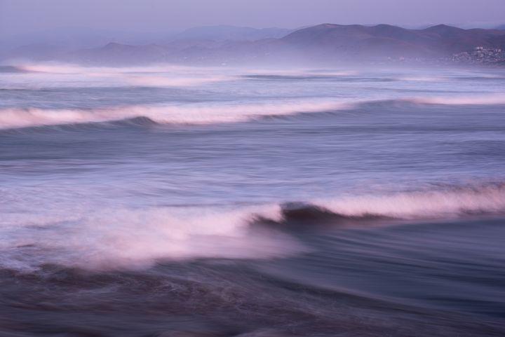 Pacific Ocean Waves - Steve Gadomski