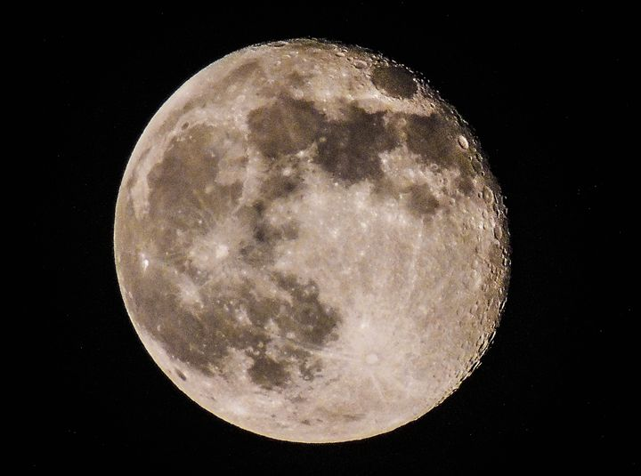 Super Moon - Aaron Alvarez