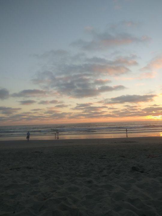 Beach in Sunset - Skyarts