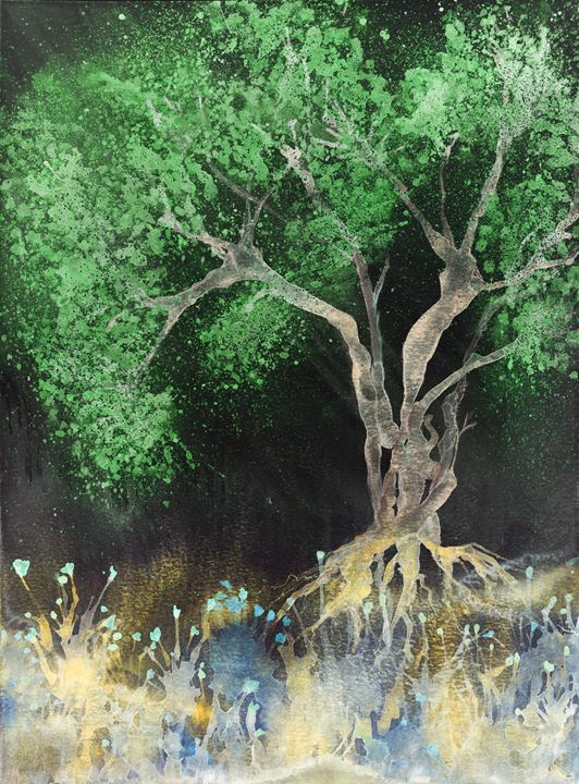 Tree with green leaves at night. - BRISTE