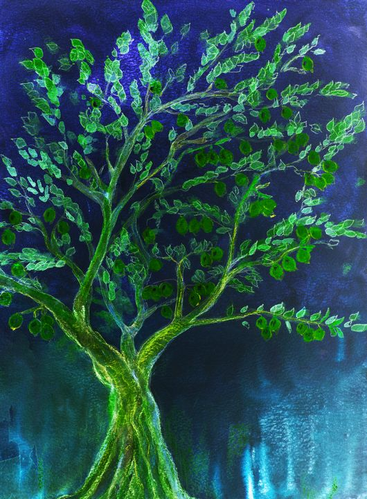 Green fruit tree with blue backgroun - BRISTE