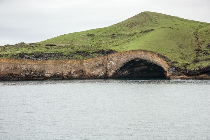 Sea cave at Punta Vicente Roca - BRISTE