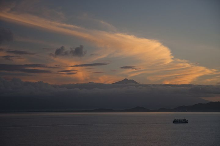 Sunrise over Bali - BRISTE