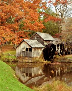 The Autumn Colors at Mabry Mill