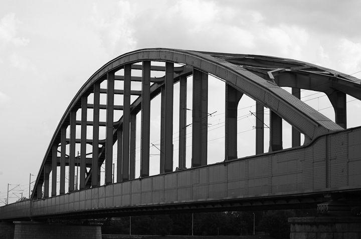 train bridge - branimirbelosev