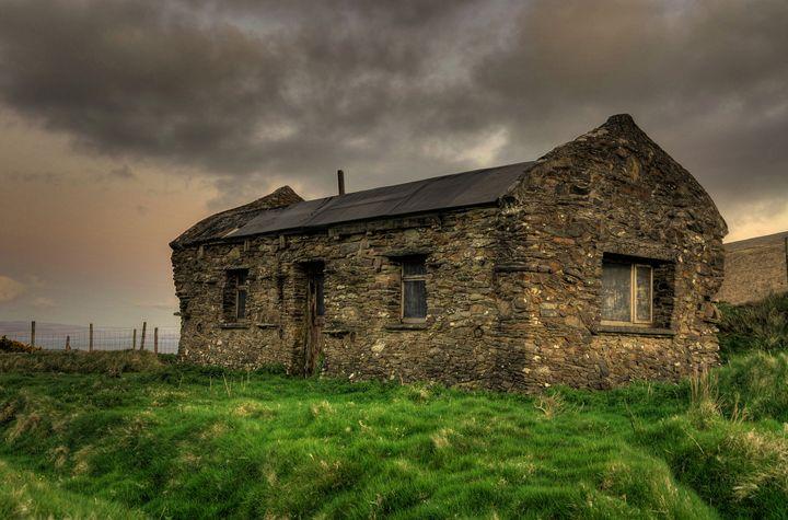 Old Irish Cottage - Gearóid Casey