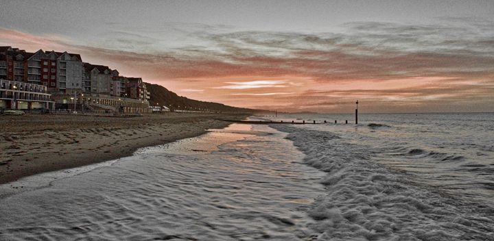 Boscombe sunrise - Petehazellphotography