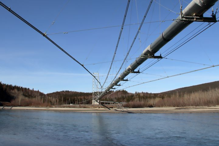 Pipeline Tanana River Crossing - Adventure Images