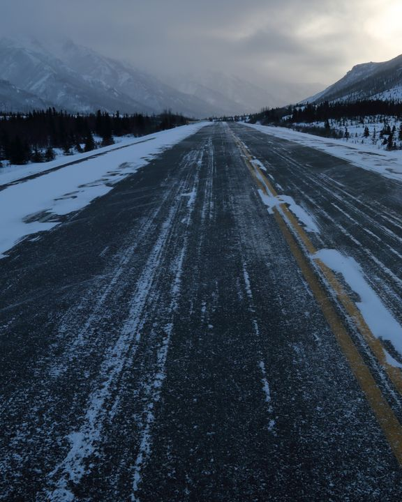 The Cold And Frozen Road - Adventure Images
