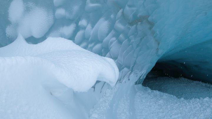 Snowy Overhang - Adventure Images