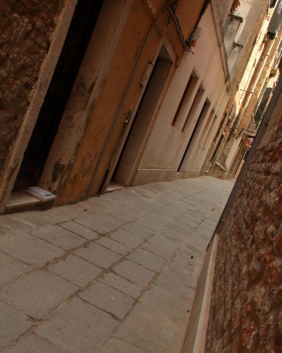 Venice Alley - Adventure Images