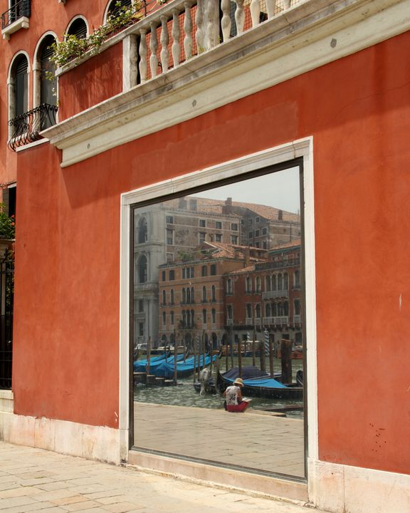 Enjoying Venice - Adventure Images