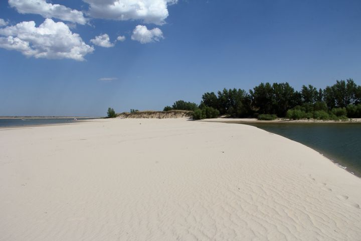 Nebraska Sandy Beaches - Adventure Images