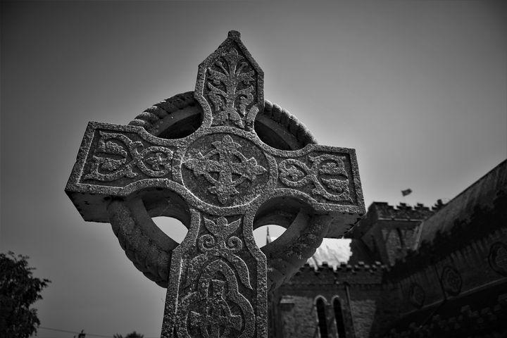 St. Canice Celtic Cross - R.Gourley