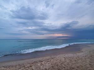 Large south beach horizon