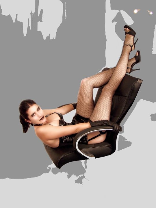 The Flying Chair - The Electric Eccentric Studio