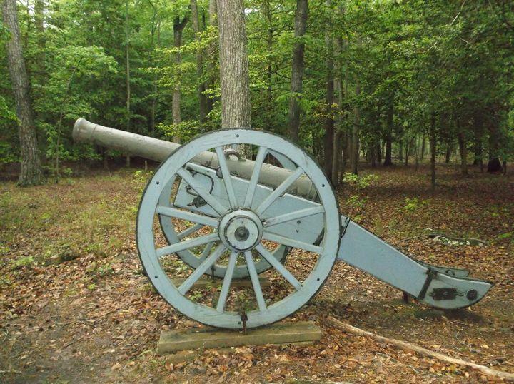 Cannon at Yorktown - Ren's Lens