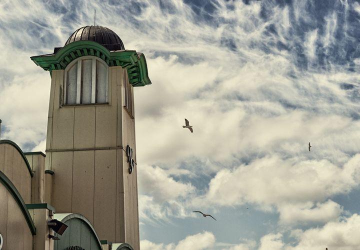 Wellington pier entertainment centre - S. Lyons Photography