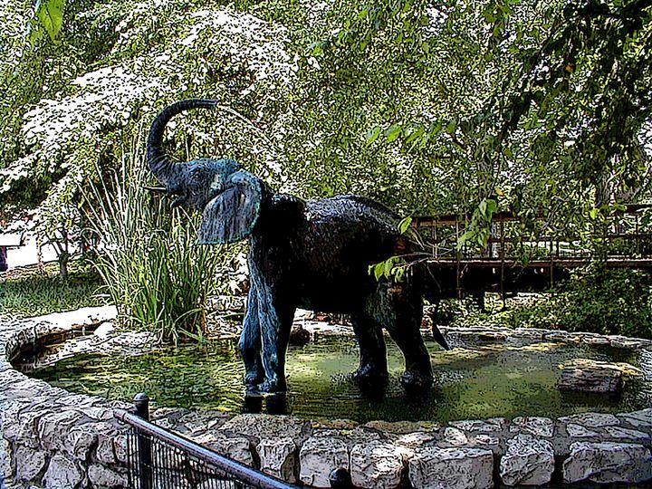 An Elephant That Needs No Food - JonesArtWorkS