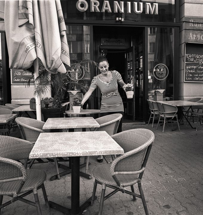 Berlin: Cafe woman - Ron Greer Photography