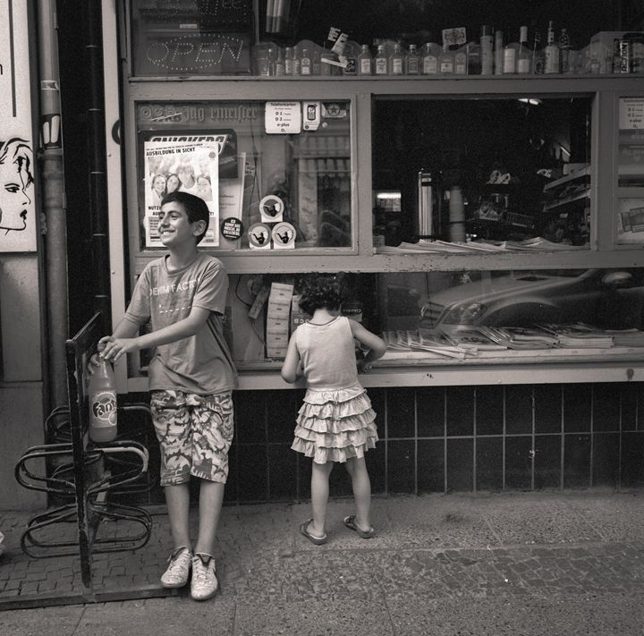 Berlin: kids - Ron Greer Photography
