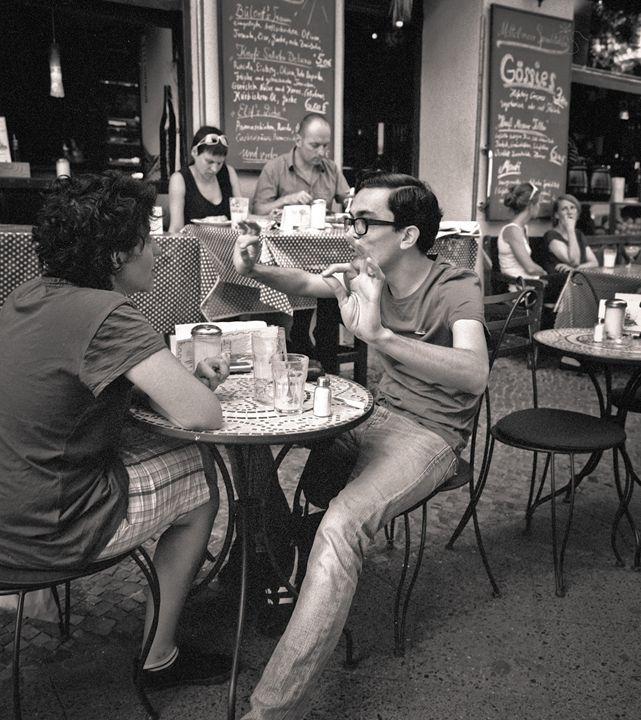Berlin: Kreutzberg, street cafe - Ron Greer Photography