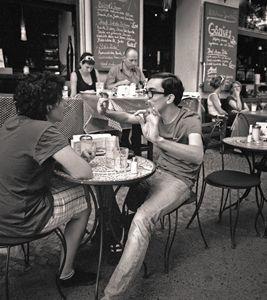 Berlin: Kreutzberg, street cafe
