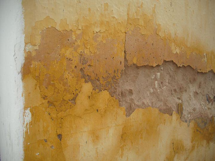 Exposed yellow wall - Simon Goodwin