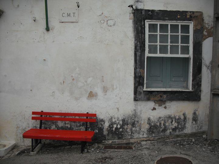 Red bench - Simon Goodwin