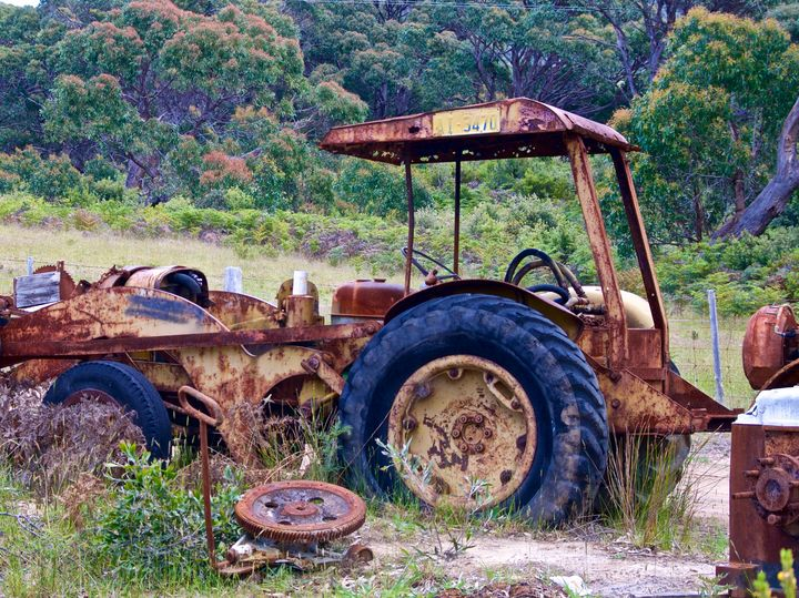 Tractor with Roof - tasmanianartist D1g1tal-M00dz