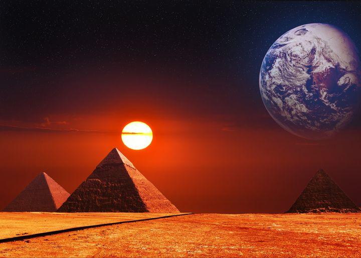 Outter Space Pyramids - Enea Kelo