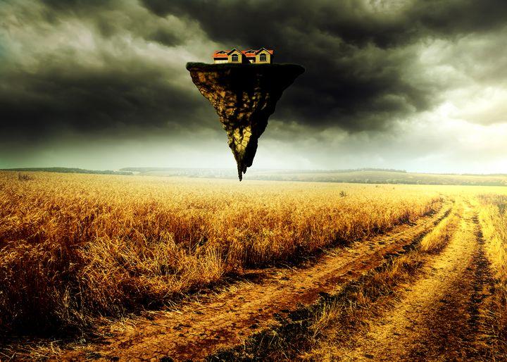 Flying House - Enea Kelo