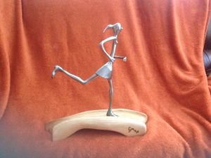 Woman Jogging - simonsculpture