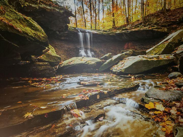 Chasing waterfalls - Art Magic
