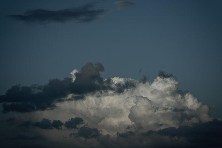 Clouds over Holland - Mediatomics