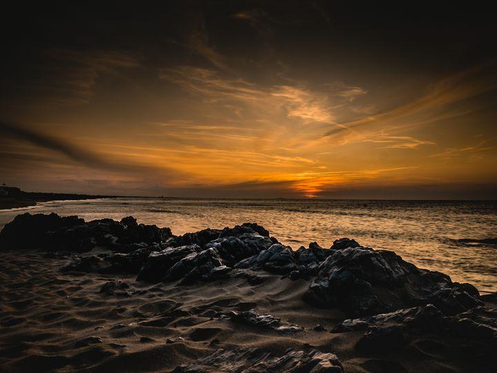 Warm sunrise at the beach - Mibs