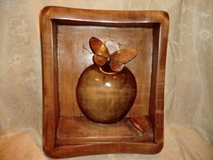 Miniature Apple Art Wood Carving - Gennady Makulov. The art of carving