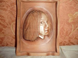 Portrait of a girl Art Wood Carving - Gennady Makulov. The art of carving