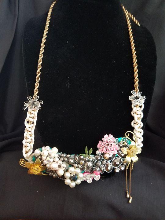 Heavy Beauty - American Artistic Jewelery