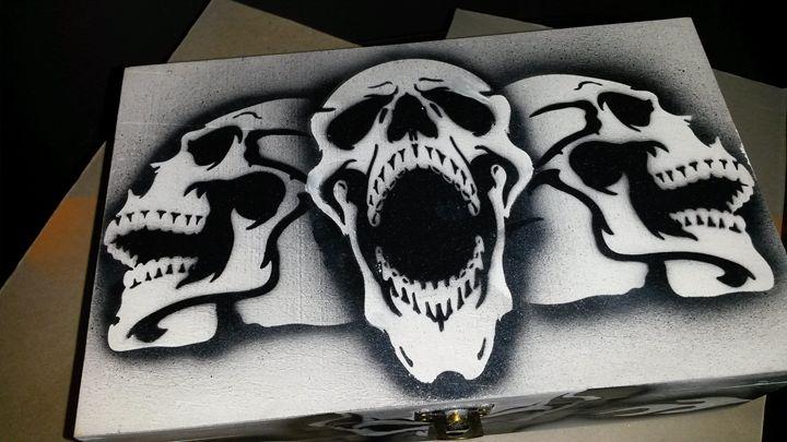 Airbrushed Skulls - White - Acro Arts