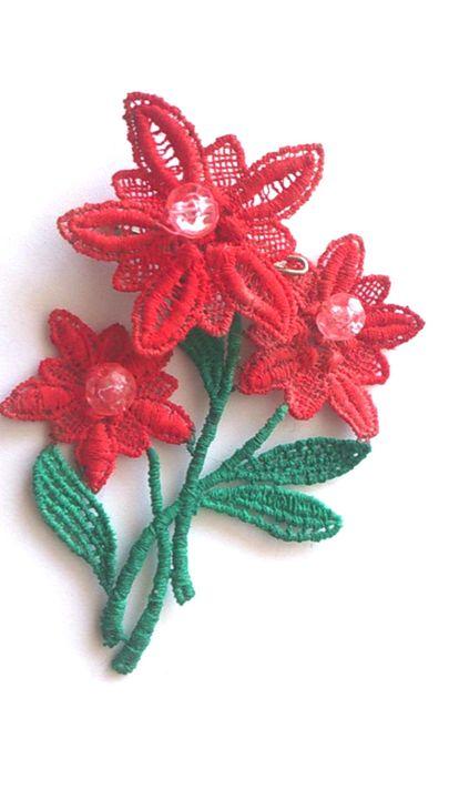 crocheted flower brooch - Elizabeth Martin