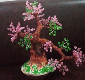 beaded bonsai tree (pink/green)