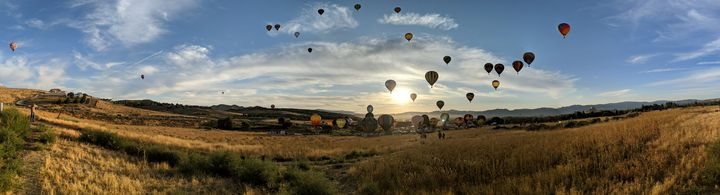 Reno Great balloon race PANORAMIC - Pictures by J.Will