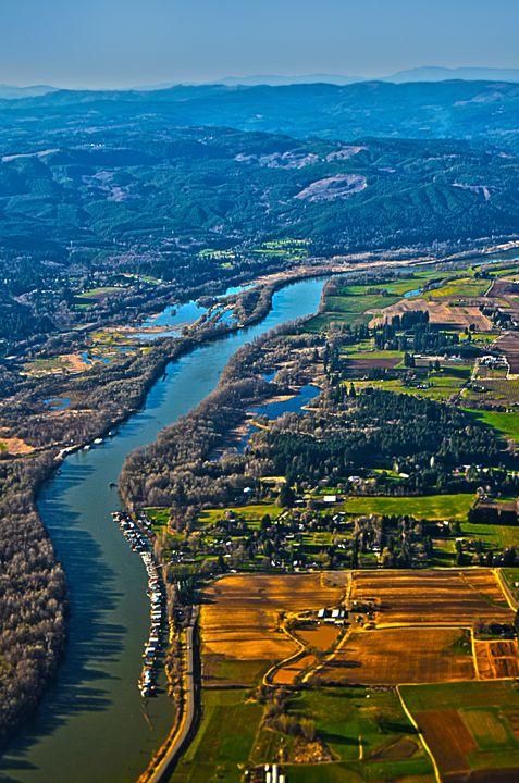 Oregon river - Spade Photo