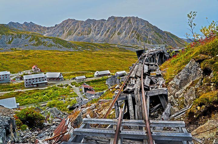 Hatcher Pass tracks - Spade Photo