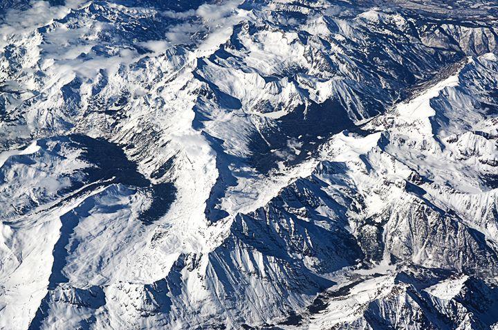 Colorado Snowy mountains. - Spade Photo