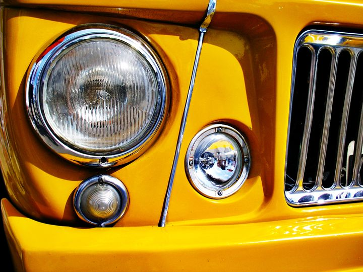 Yellow Willys Station Wagon headligh - Felix Padrosa