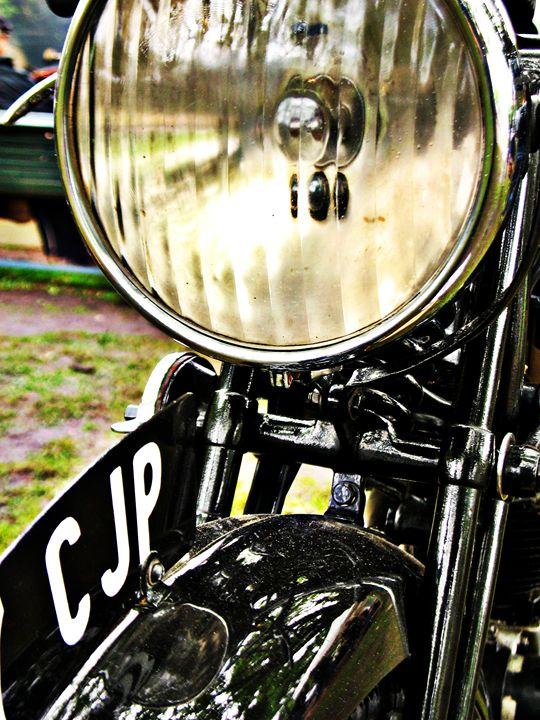 Vintage motorcycle headlight and lic - Felix Padrosa