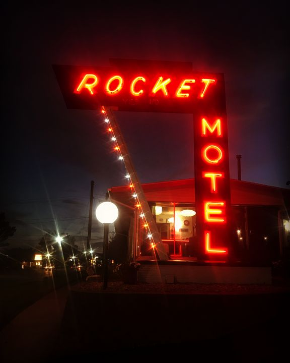 rocket motel - kase